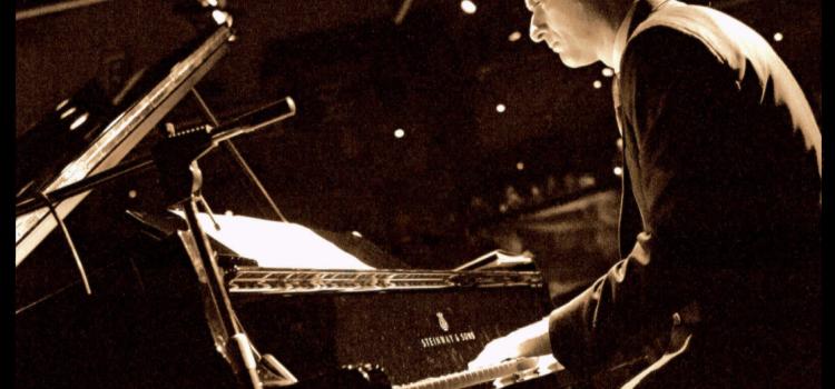 Pianist Davide Logiri